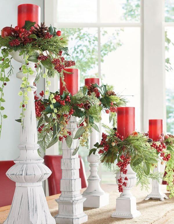 Ilumine a sua decoração de natal para sala com velas vermelhas