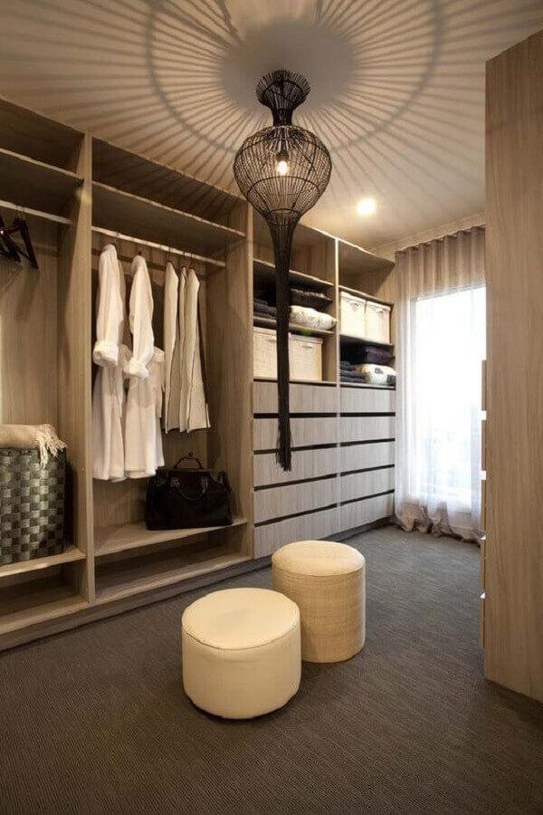 closet luxuoso com decoração neutra Foto Ideias Decor