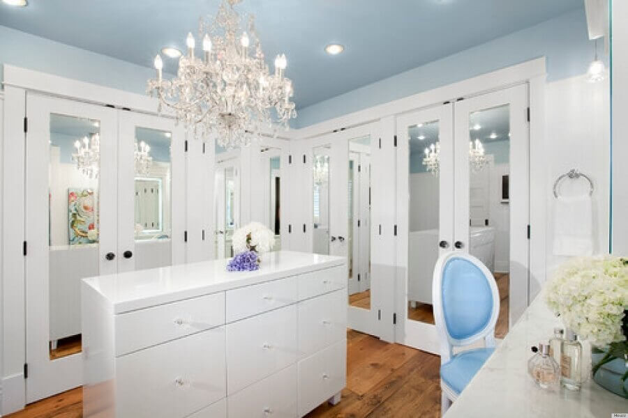 closet luxuoso decorado com portas espelhadas Foto Pinterest