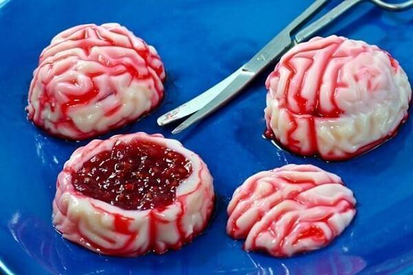 Cérebro feito com gelatina vermelha