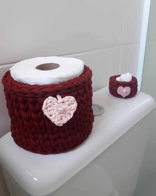 porta papel higiênico de crochê vinho