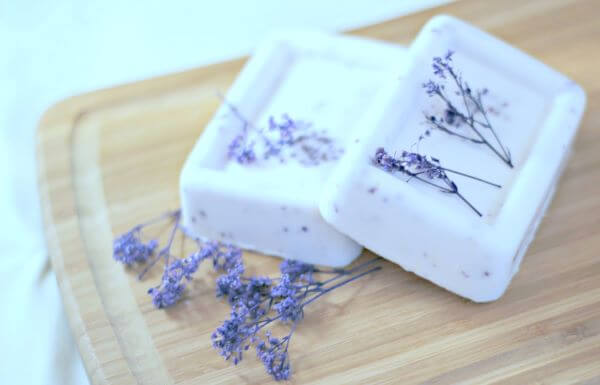 Use seus ingredientes favoritos para como fazer sabonete artesanal