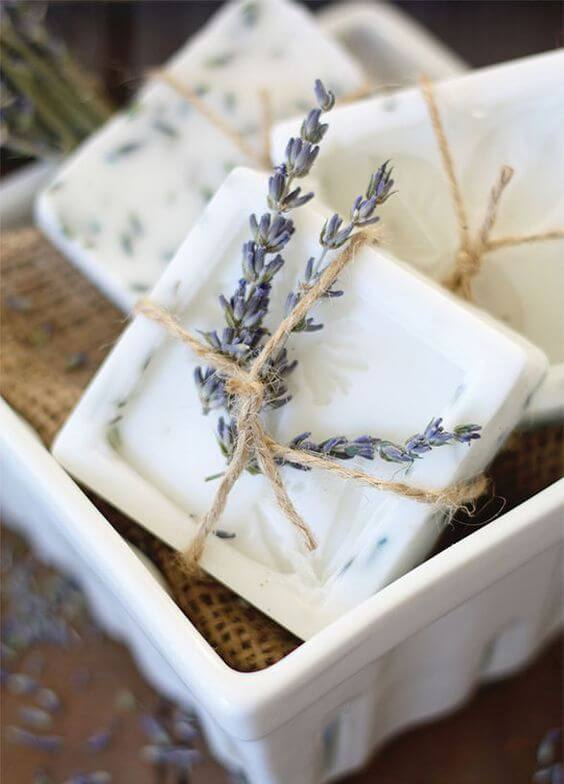 Aprenda como fazer sabonete artesanal com lavanda