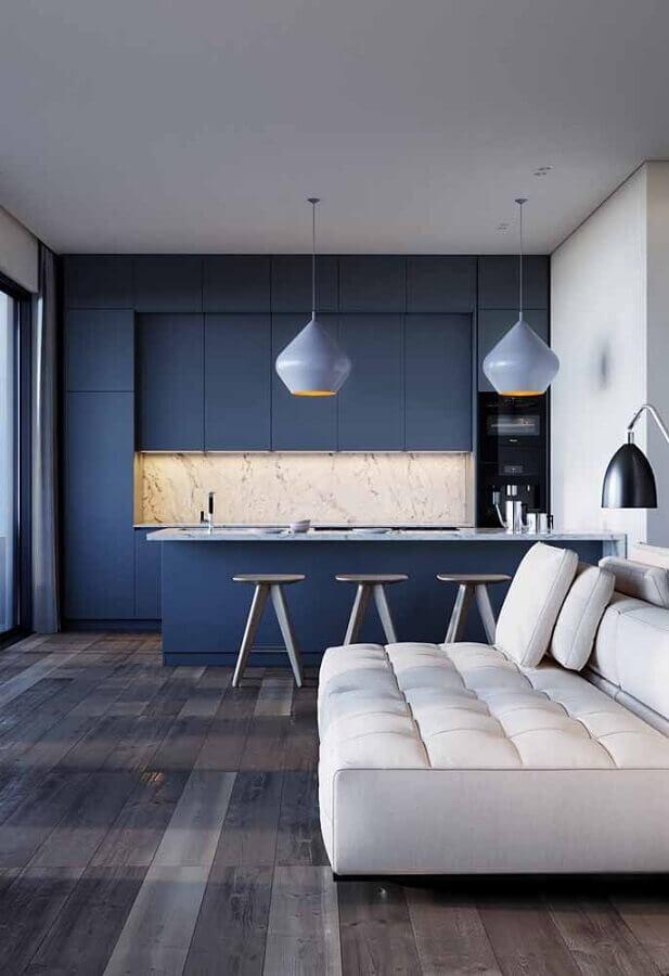 cor azul marinho para cozinha planejada integrada com sala de estar Foto Maison Gabriele