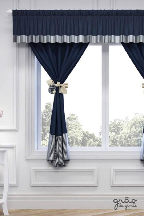 cortina azul marinho para quarto de bebê Foto Grão de Gente