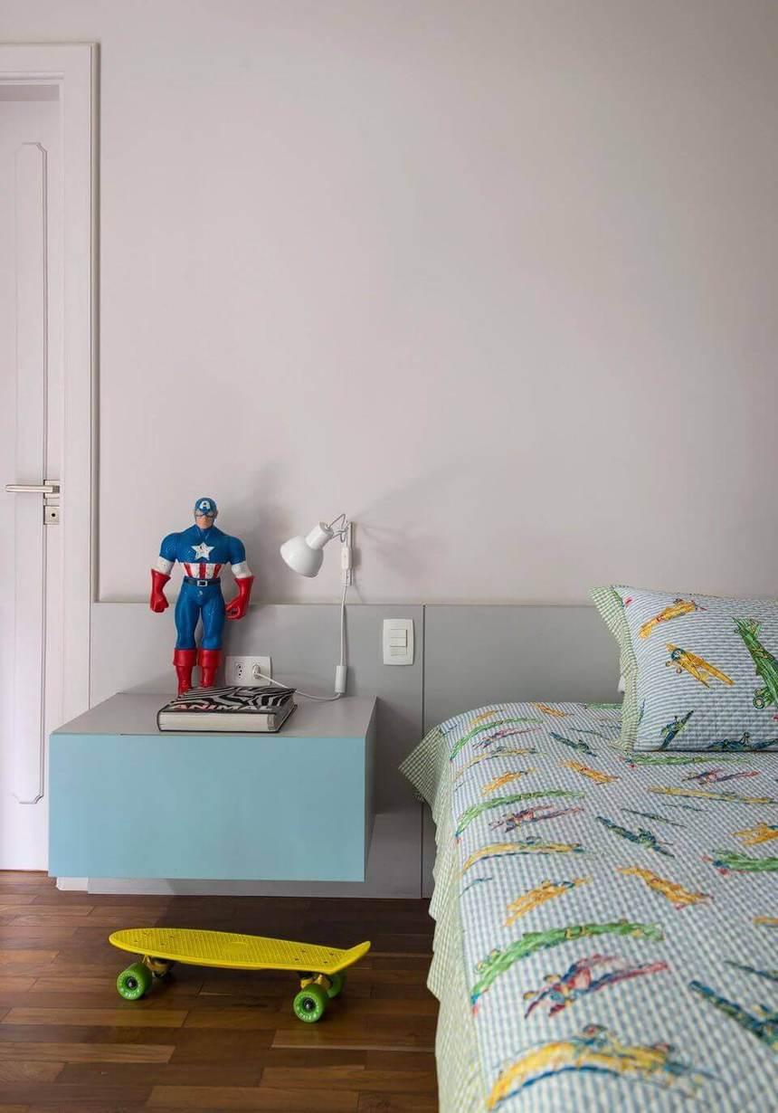 criado mudo suspenso - criado mudo com porta azul claro