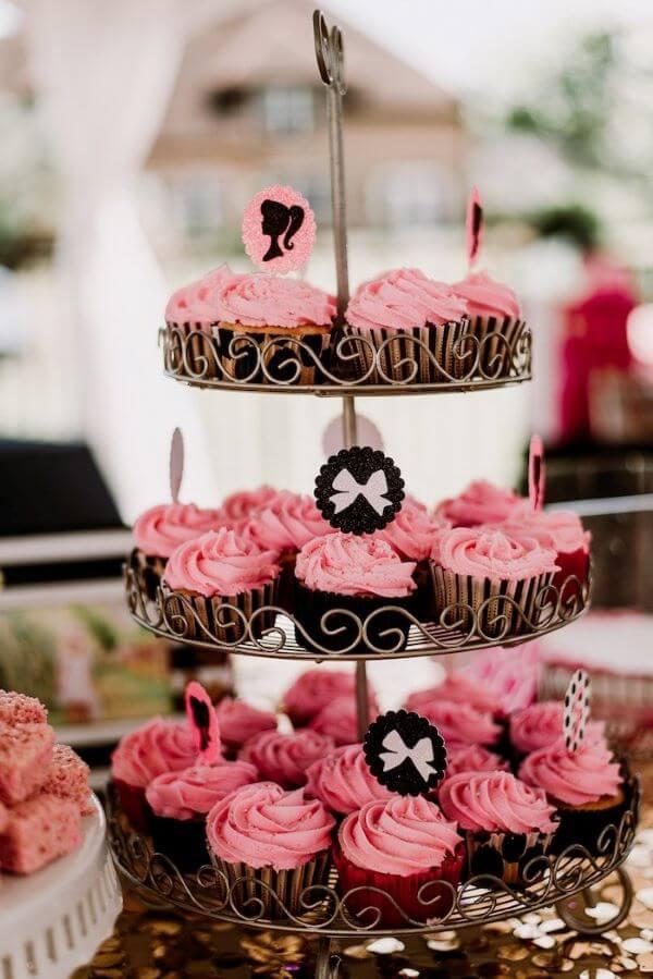 cupcakes personalizados para a festa da barbie