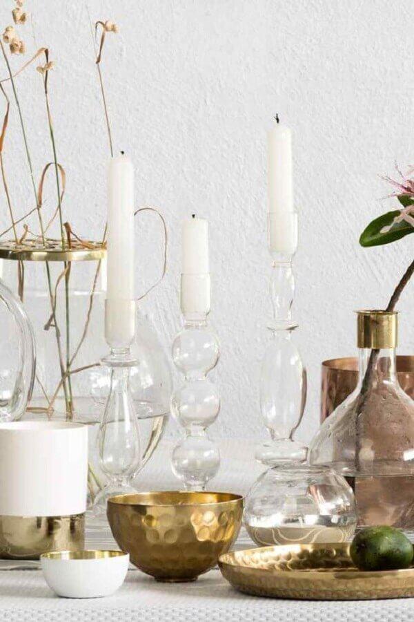 decoração clean com castiçal de vidro Foto H&M