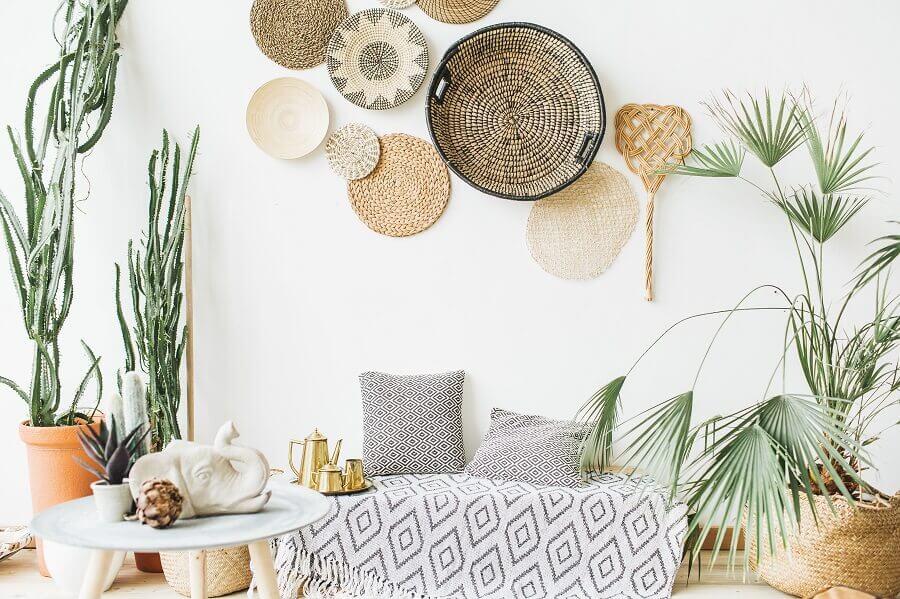 decoração clean para sala com elementos naturais