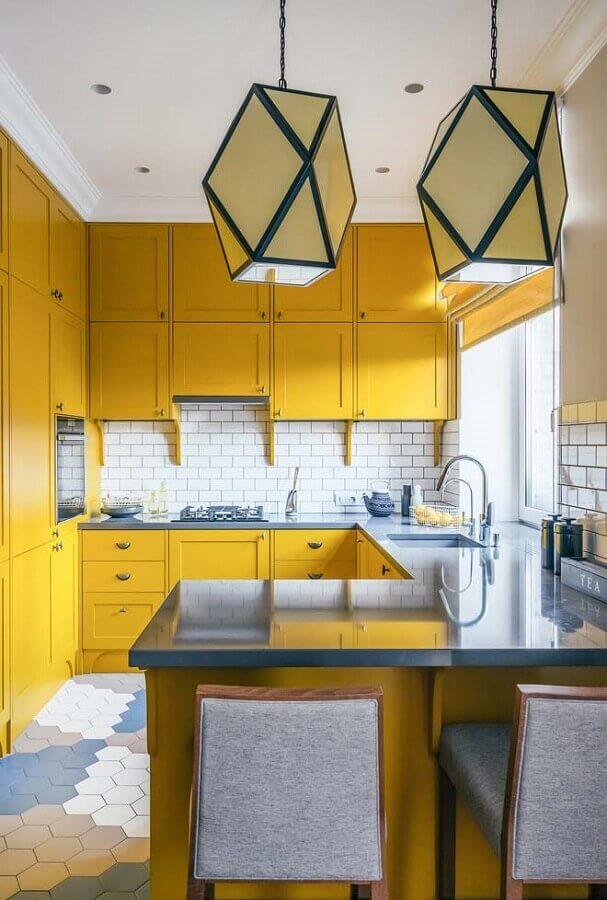 decoração com armário de cozinha amarelo planejado Foto Ideias Decor