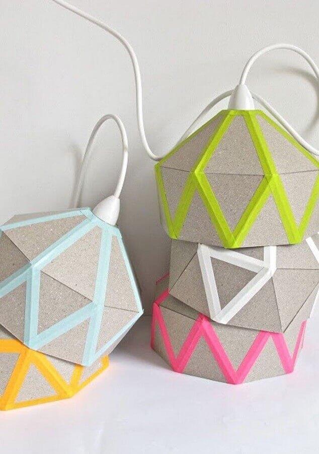 decoração com fita isolante colorida para luminária artesanal Foto Lamp Design Ideas