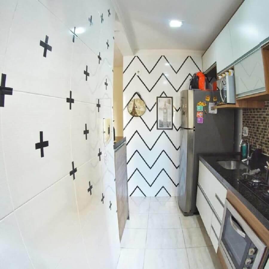 decoração com fita isolante para cozinha pequena e simples Foto Apê do J&S