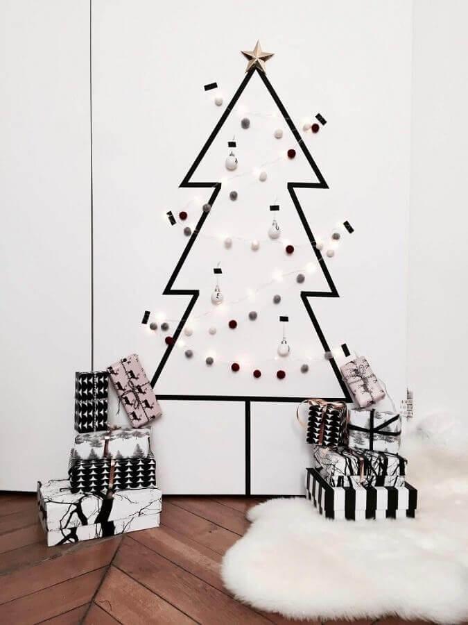 decoração com fita isolante para natal Foto Pinterest