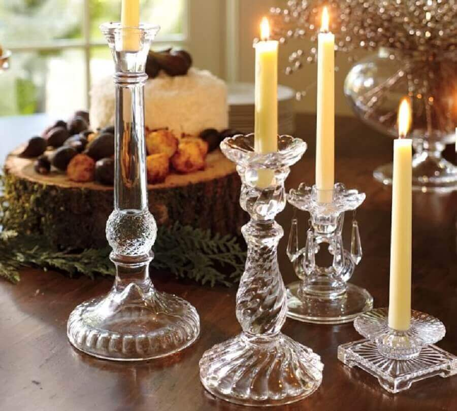 decoração com modelos diferentes de castiçal de vidro Foto Bonitas Ideias