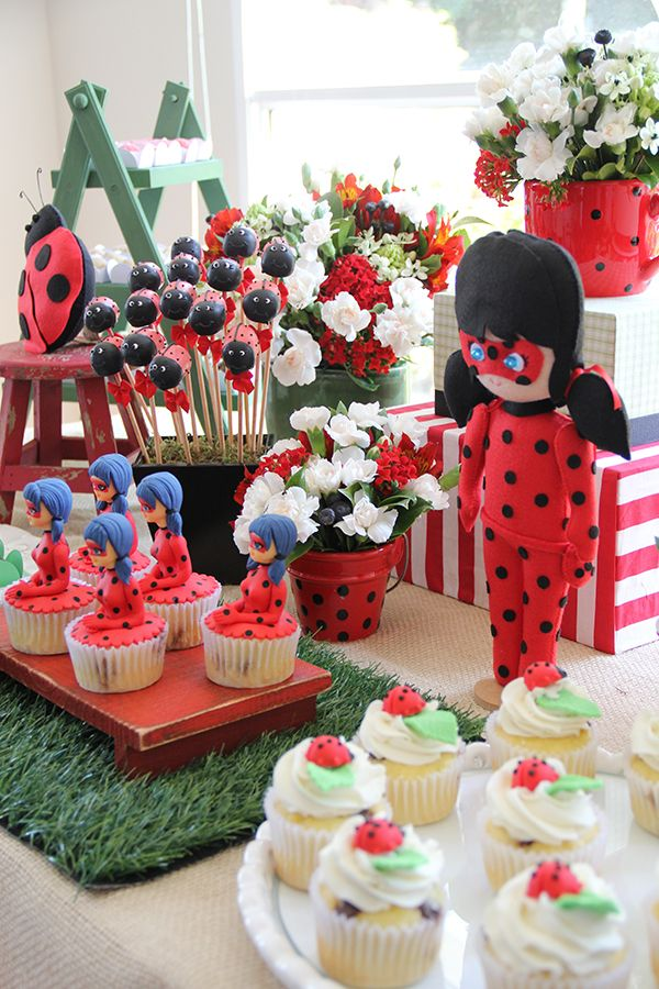 Decoração de aniversário infantil com tema festa ladybug