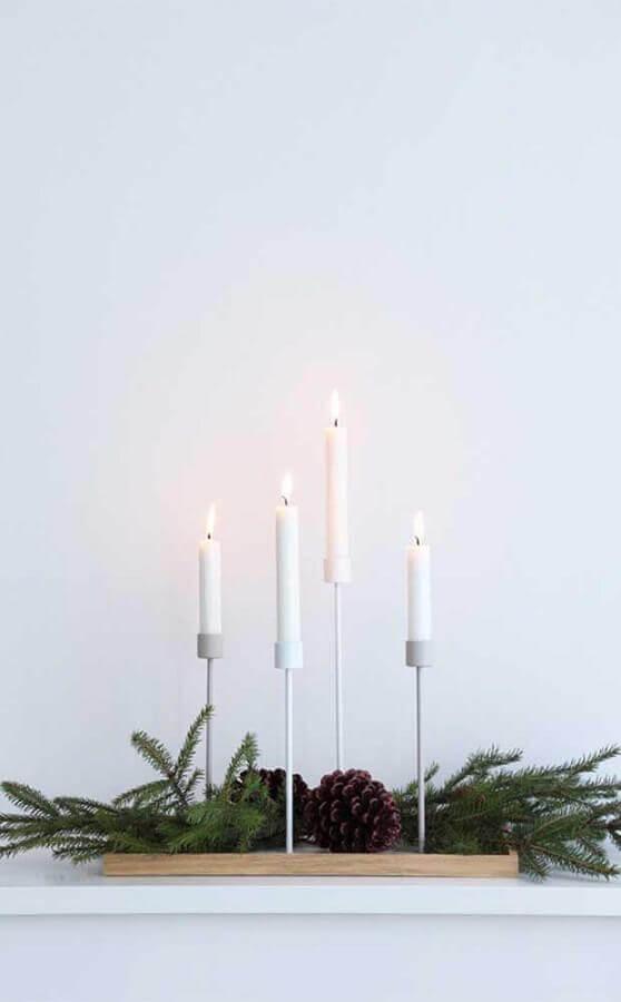decoração de natal com castiçal minimalista Foto BuyMa