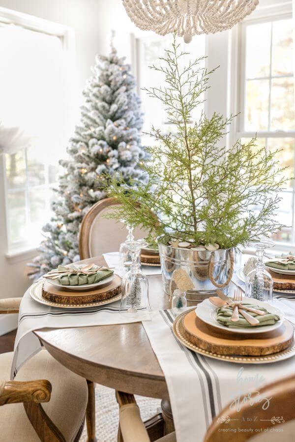 decoração de natal para sala de estar é simples e pode ser linda para seu ambiente elegante