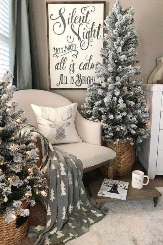 decoração de natal para sala simples e barata na paleta de cores neutra