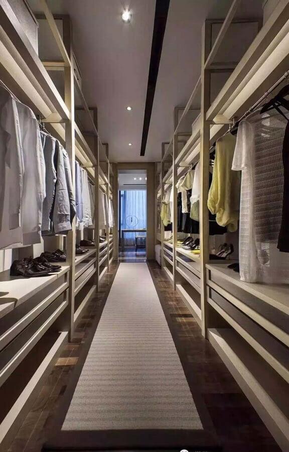 decoração minimalista para closet luxuoso Foto Pinosy