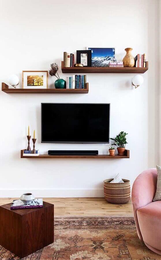 decoração para sala com castiçal de madeira Foto Wood Save