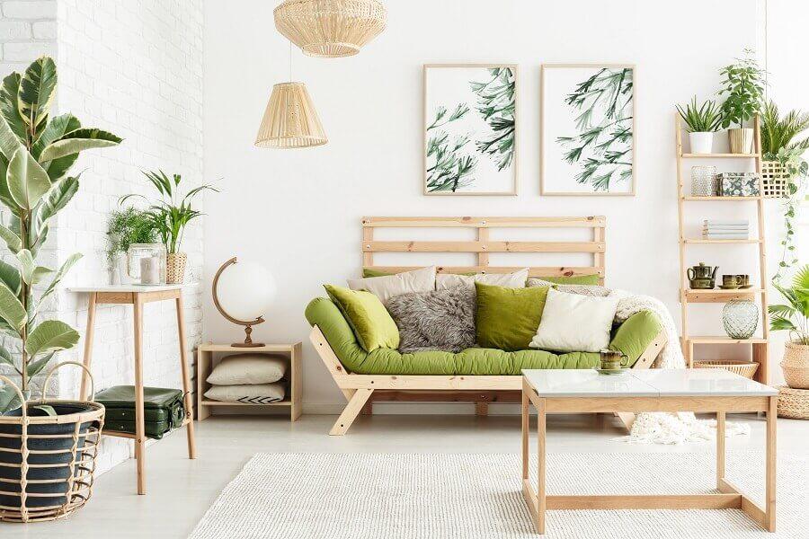 decoração para sala rústica com vasos de plantas