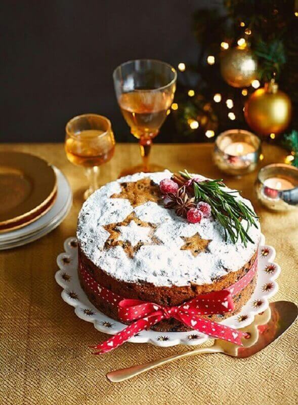 rustic decoration for simple Christmas cake Foto We Heart It