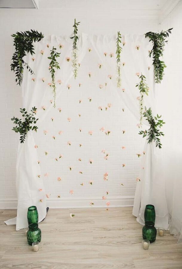 decoração simples e romântica para altar de mini wedding Foto Pinterest