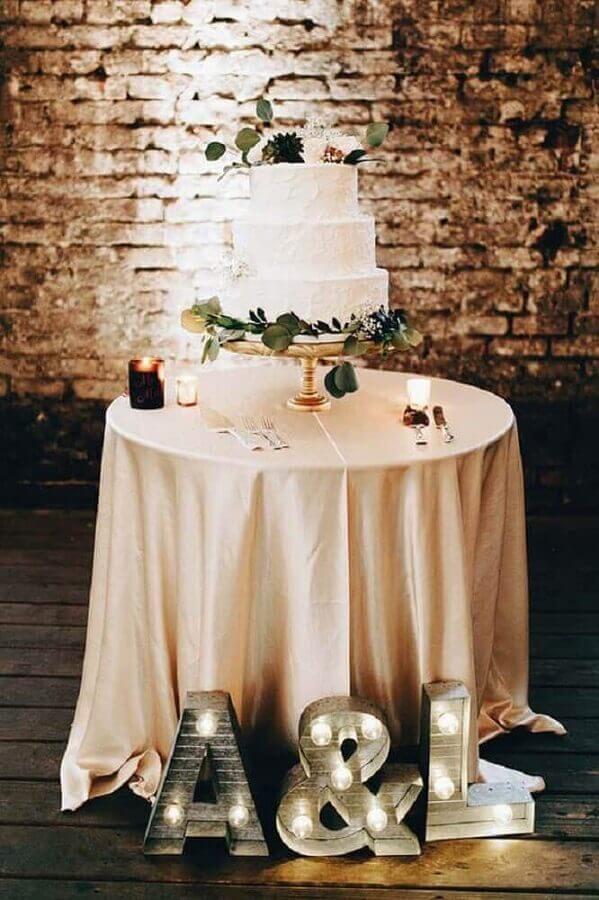 decoração simples para mesa de bolo de mini wedding Foto Pinterest