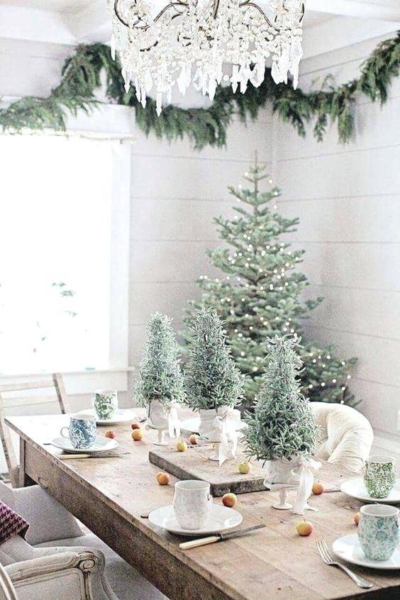 decoração de natal para sala de estar pode ter lindas árvores de natal