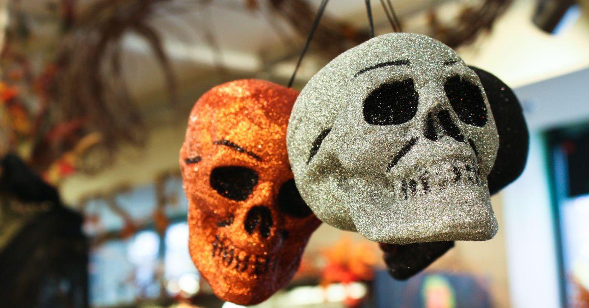 Decoração de halloween com caveiras