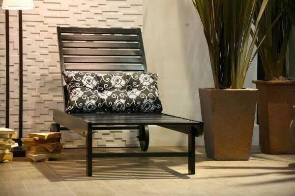almofada para cadeira de madeira