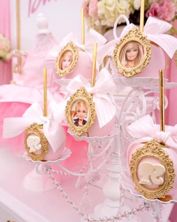 Doces personalizados para festa da barbie