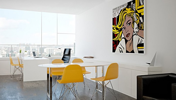 Cadeira de escritório amarela traz vida a decoração do ambiente