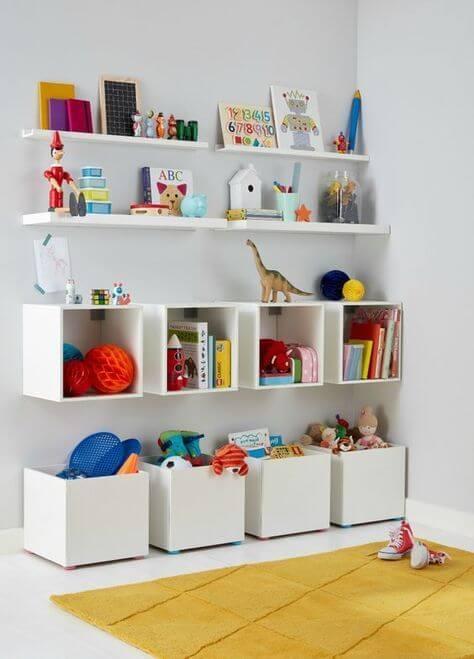 Estante para brinquedos com nichos organizadores