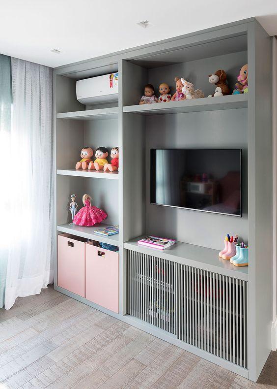 Estante para brinquedos com TV