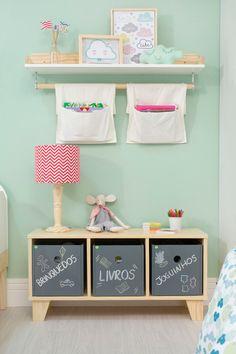 estante para guardar brinquedos e livros
