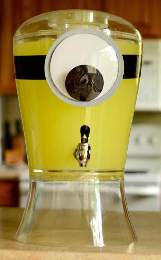festa dos minions - jarra de suco decorada