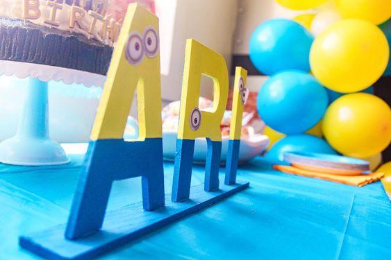 festa dos minions - nome para mesa decorado