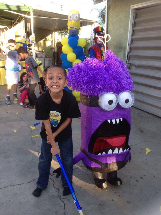 festa dos minions - piñata dos minions