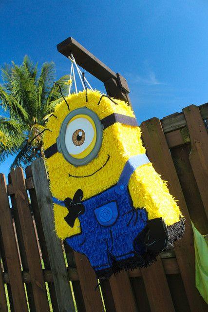 festa dos minions - piñata dos minions grande