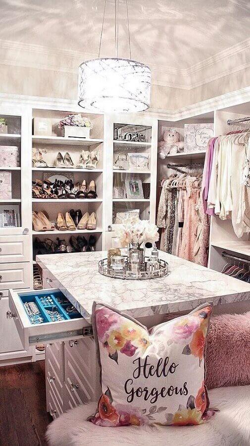 ilha de mármore para closet feminino de luxo Foto Noticiastu