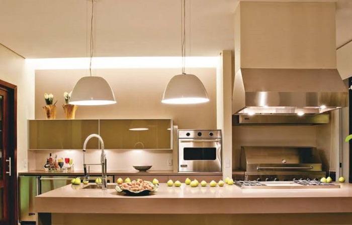 Pendentes complementam a decoração da cozinha