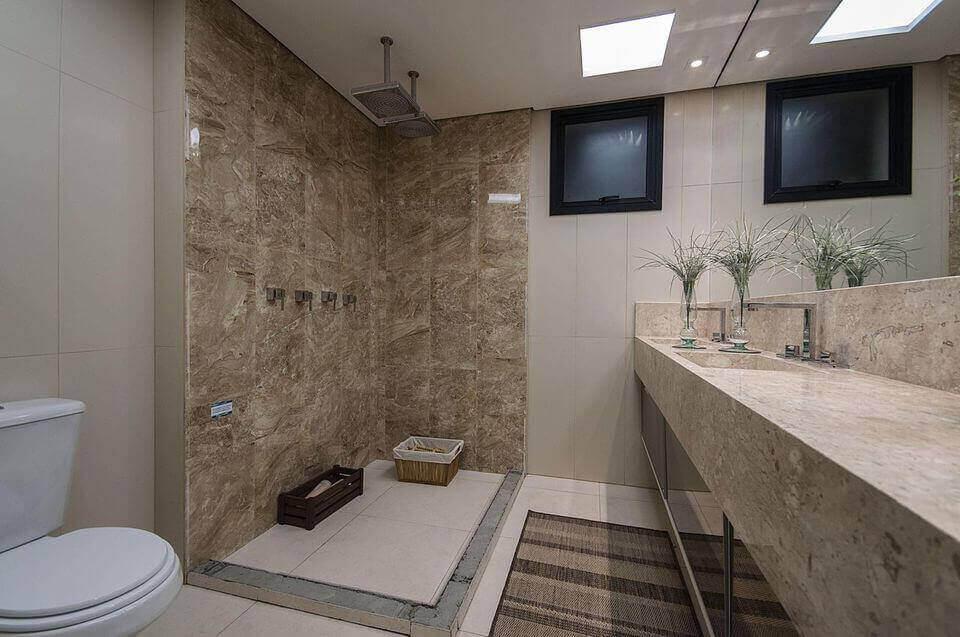 janela para banheiro - banheiro com pia de mármore e janela preta