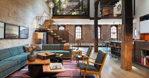 Loft decorado e amplo com móveis lindos