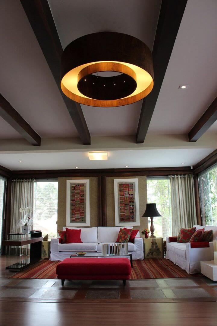 lustres simples -sala de estar com lustre grande