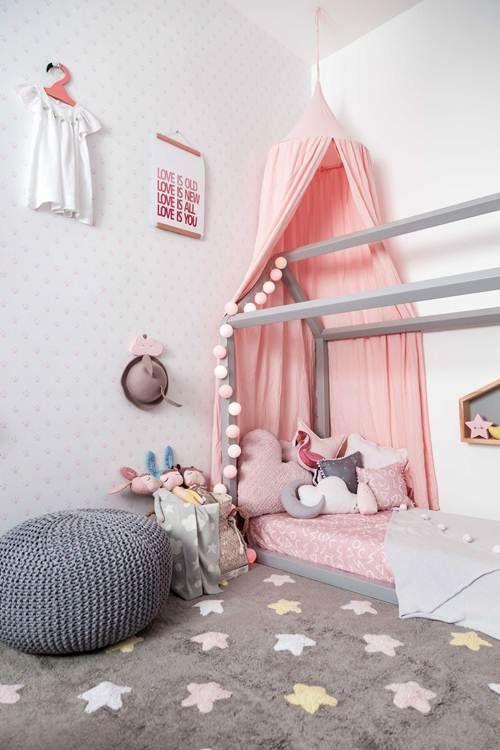 móveis montessoriano - quarto montessoriano com tapete
