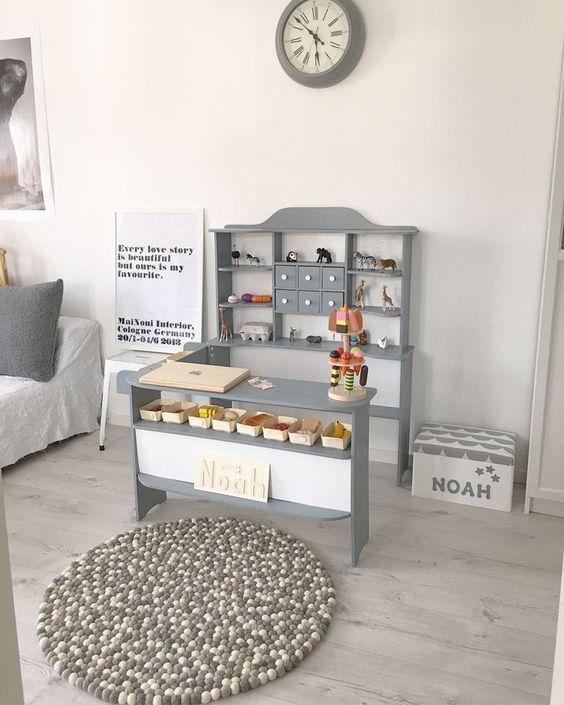 móveis montessorianos - mesa e penteadeira montessoriana