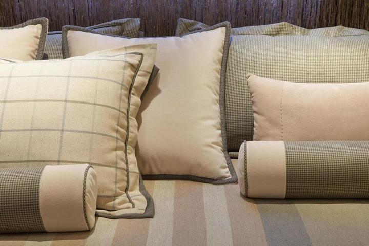 melhor travesseiro - almofadas e travesseiros na cama