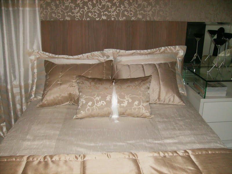 melhor travesseiro - detalhes de cama de quarto de casal clássico