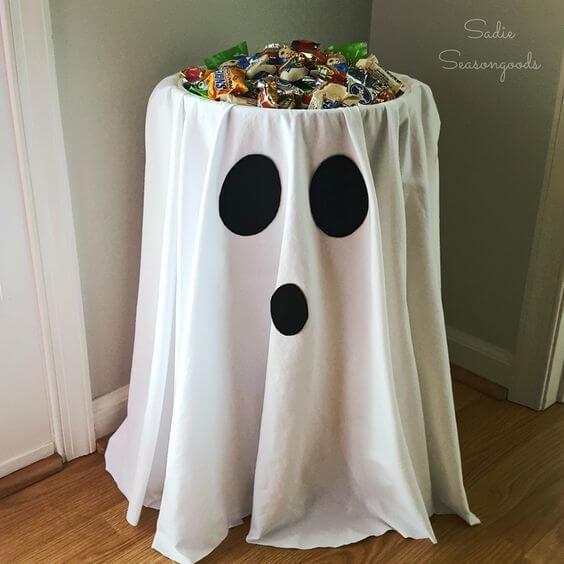 Mesa com doces para festa